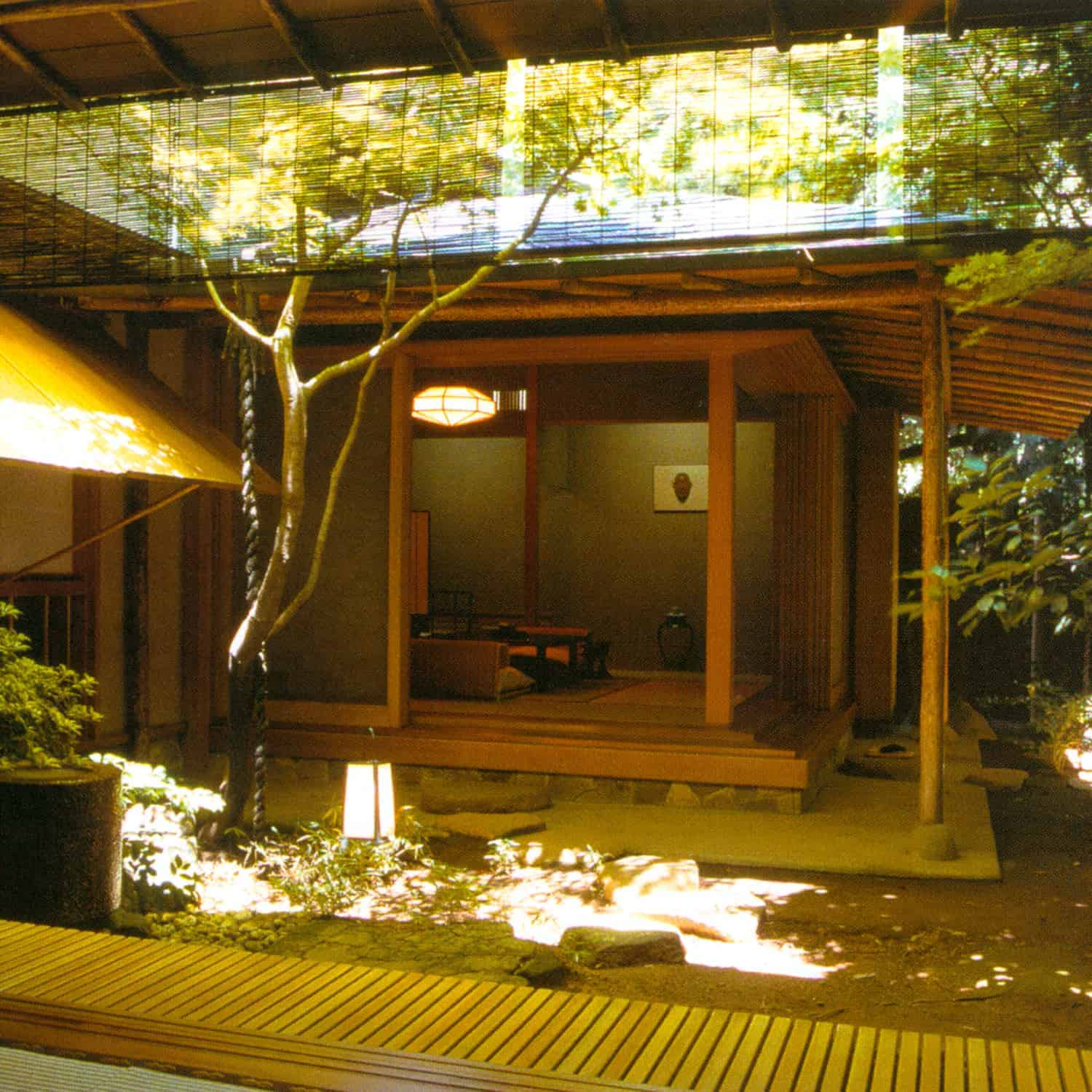 INDOOR + Architecture - Japanese Interior Solution: INNER COURTYARD